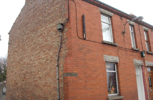 Terraced house, solid brick wall, pre-1978